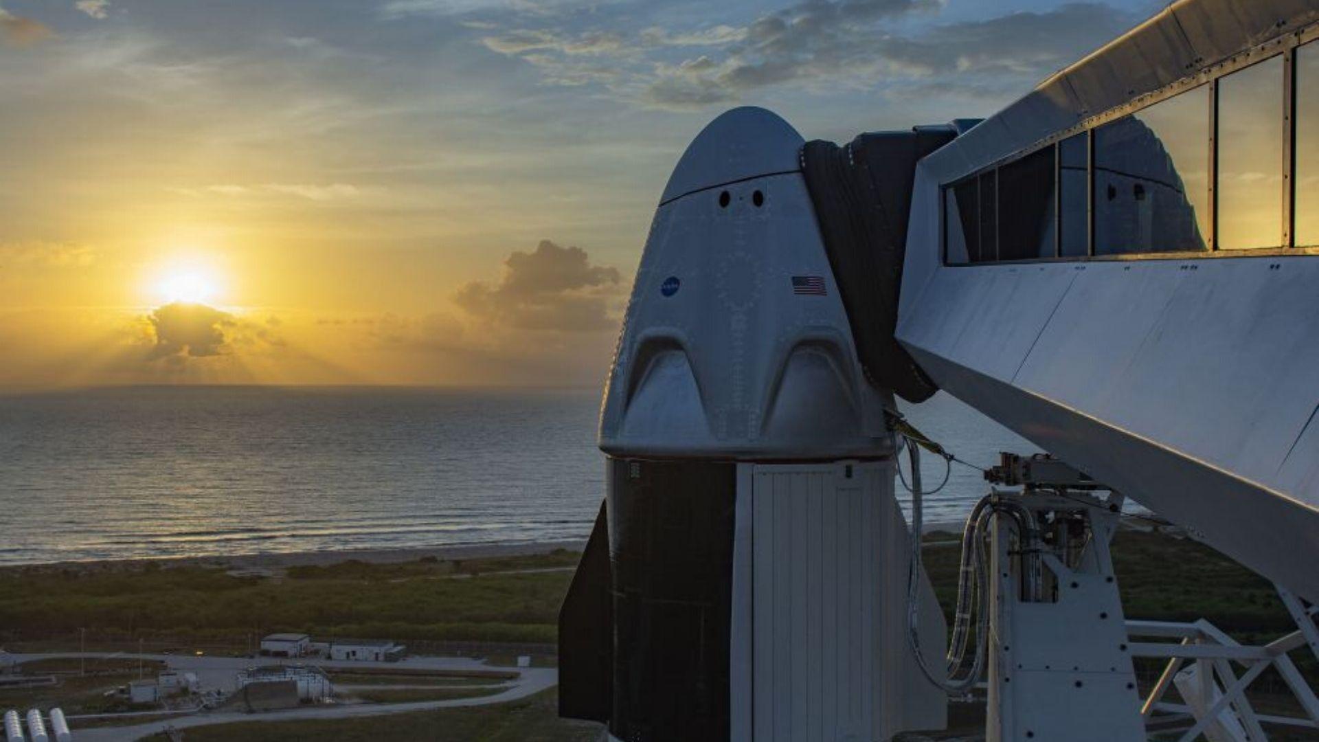 SpaceX-ის ისტორიული პილოტირებული ფრენა უამინდობის გამო გადაიდო • ForbesWoman